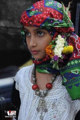 لحج نيوز - صورة لطفلة بالزي الشعبي التعزي .. الصبري .. بمحافظة تعز